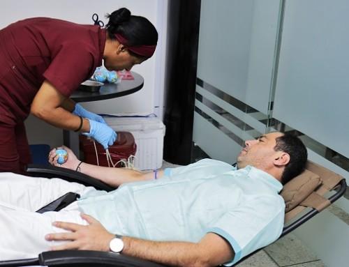 Tránsito del Atlántico dona sangre para salvar vidas